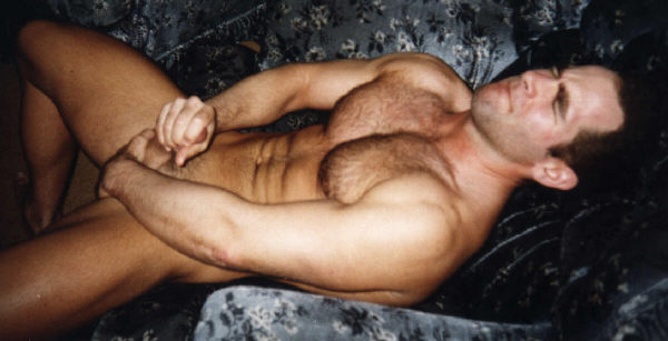 A Muscular Man Masturbates For You!